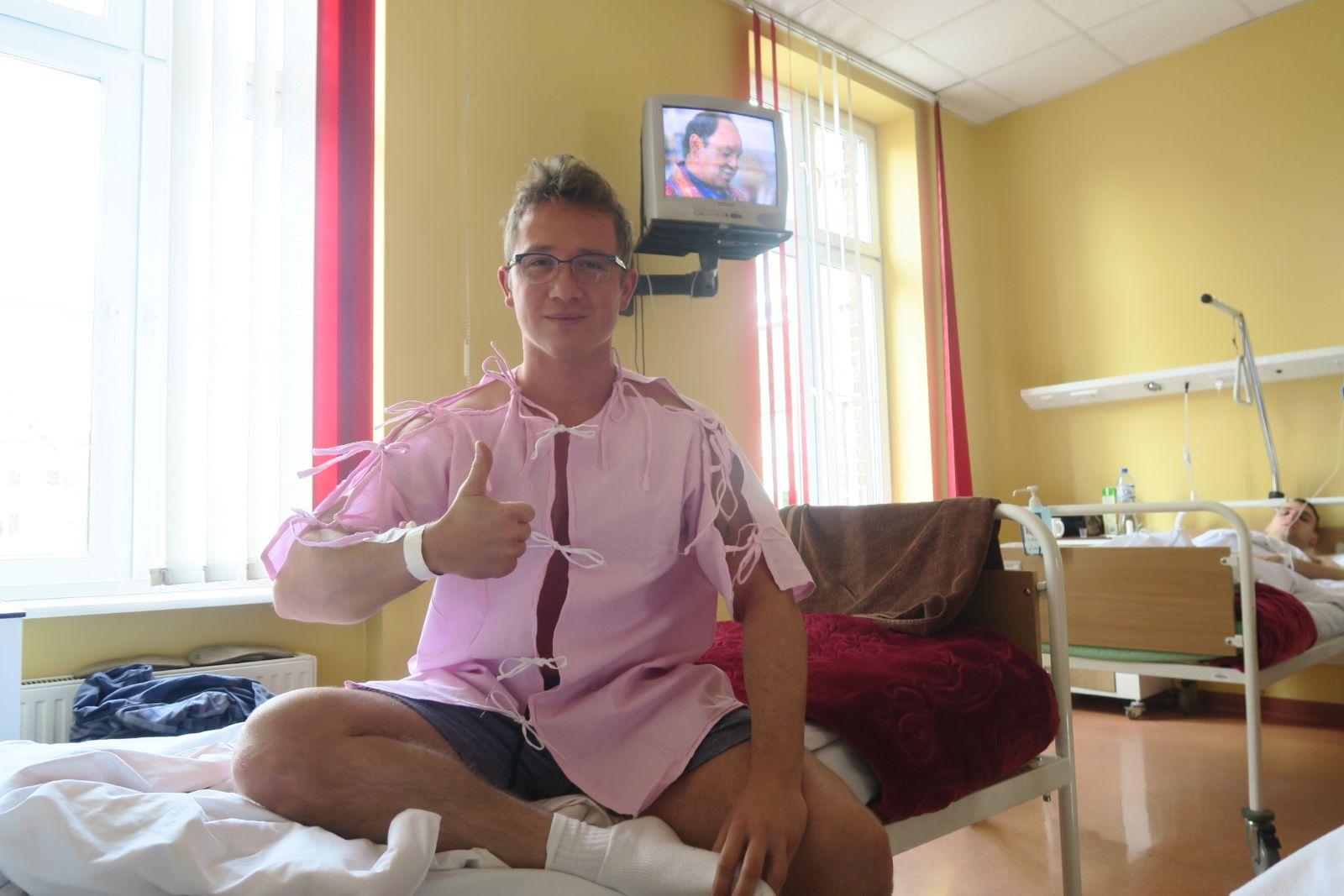 Operacja, w szpitalu